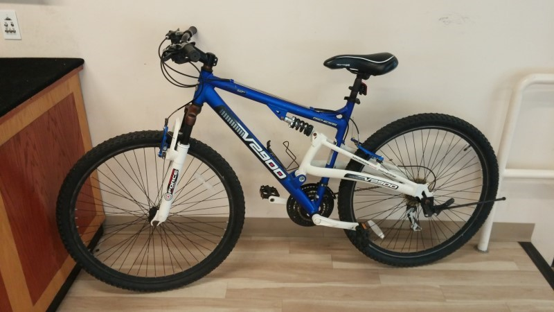 GENESIS BICYCLES Mountain Bicycle V2900
