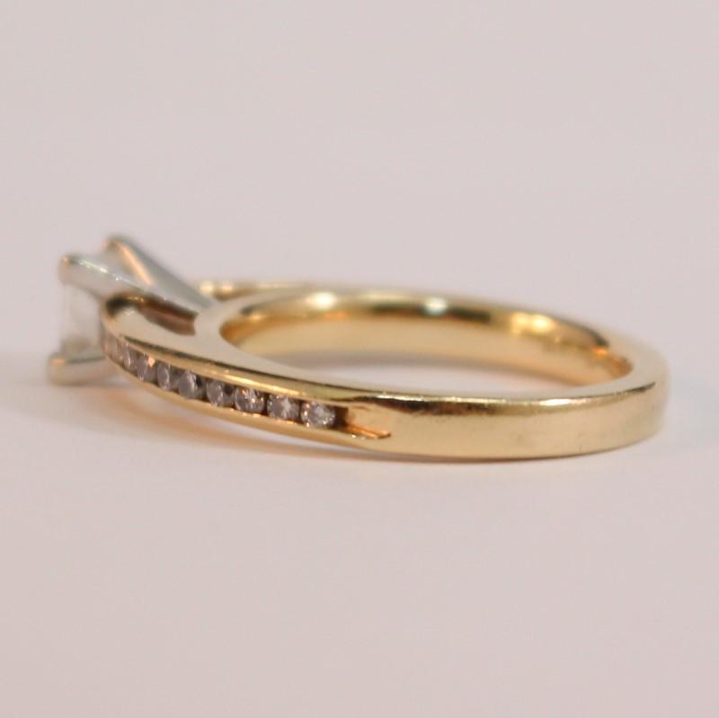 14K Diamond Engagement Ring 23 Diamonds .92 Carat T.W. Size 6.75