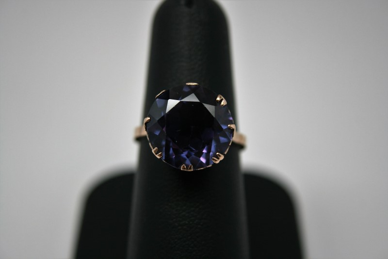 ANTIQUE STYLE RING W/ SYNTHETIC ALEXANDRITE 14K YELLLOW GOLD