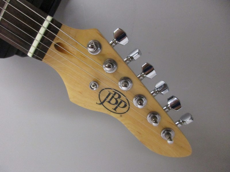 JBP STRAT STYLE ELECTRIC GUITAR