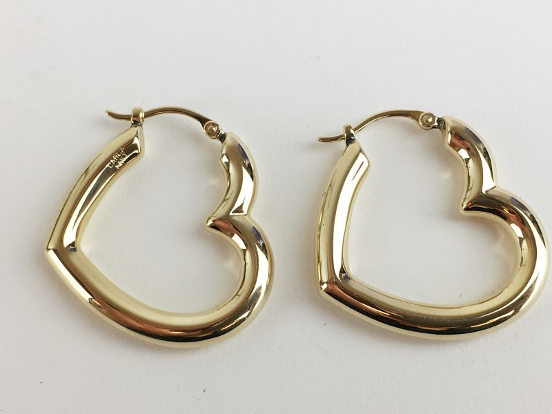 14K YELLOW GOLD HEART HOOP EARRINGS 2.11G