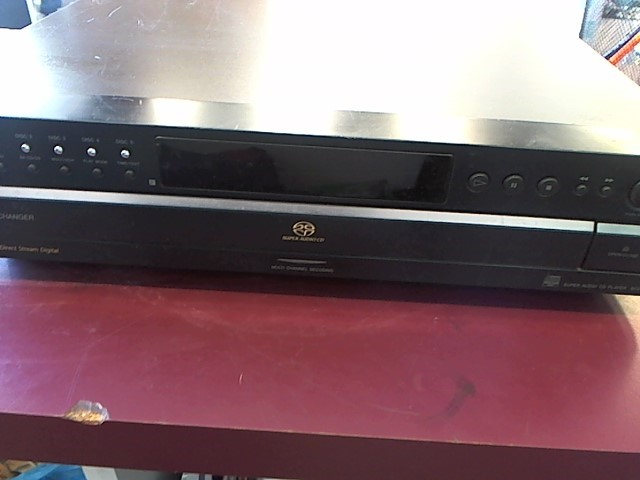 SONY 5-DISC CD PLAYER SCD-CE595