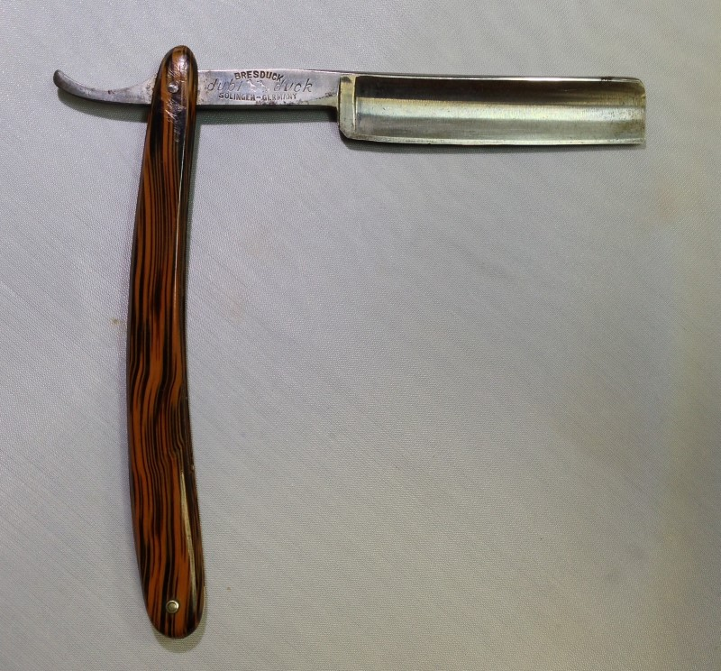 VINTAGE DUBL DUCK, SATIN EDGE BRESDUCK SOLINGEN, MADE IN GERMANY.