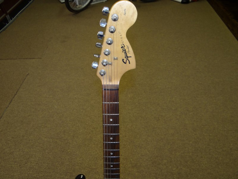 FENDER Electric Guitar SQUIER STRAT AFFINITY