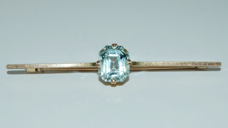 14K Yellow Gold Vintage Inspired Emerald-Cut Aquamarine Solitaire Pin Brooch