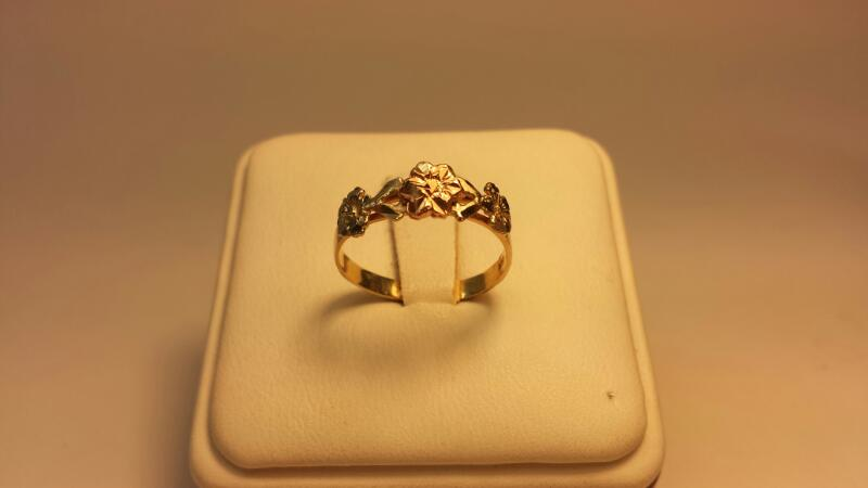 14k 3-Tone Flower Ring - 1.2dwt - Size 7