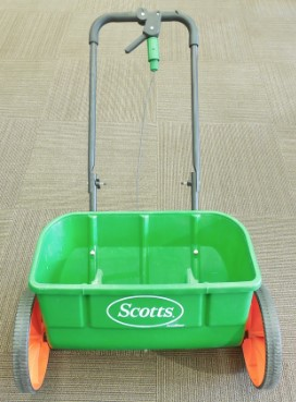 SCOTTS ACCUGREEN DROP SPREADER