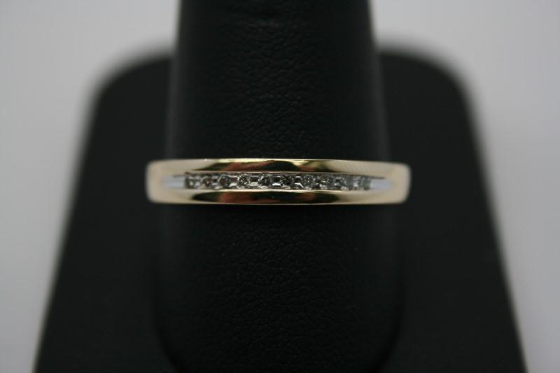GENT'S DIAMOND BAND 10K YELLOW GOLD