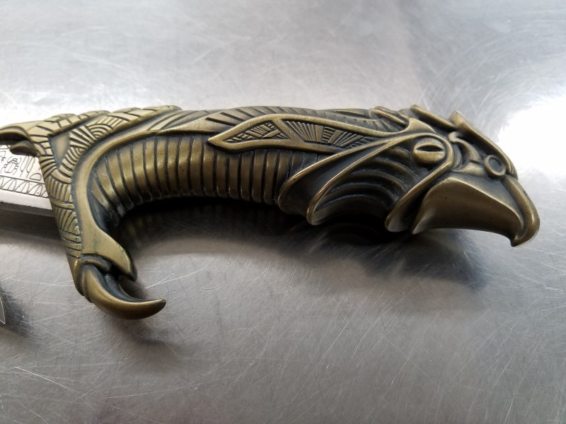 "UNITED CUTLERY HORUS EGYPTIAN KNIFE ""FALCON"" WITH STAND"