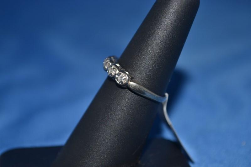 Lady's Gold-Diamond Anniversary Ring 5 Diamonds .15 Carat T.W. 14K White Gold