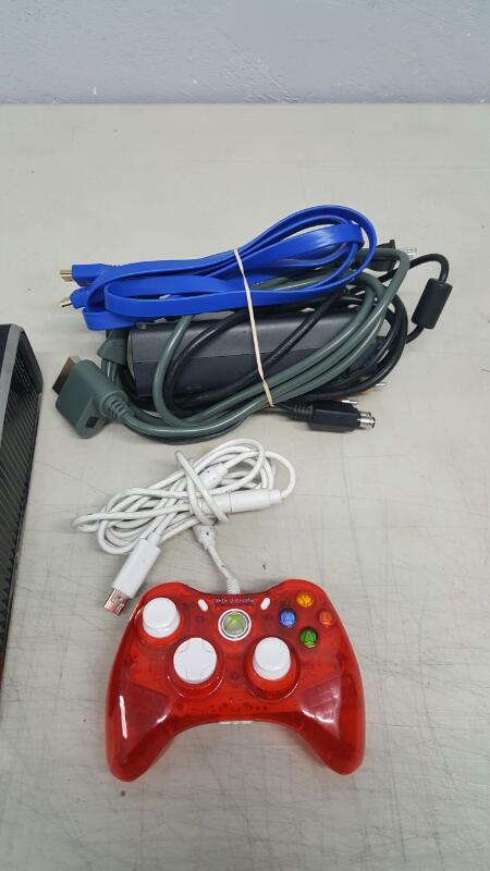 Microsoft Xbox 360 Glossy Black S Console 250GB (Model 1439)