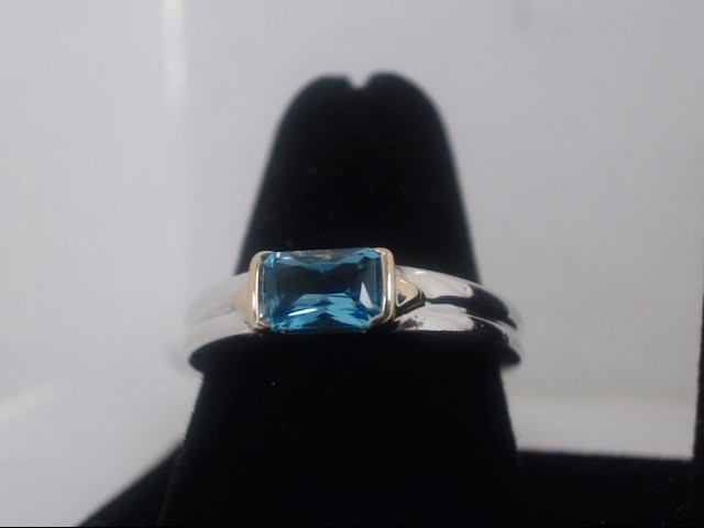 Synthetic Aquamarine Lady's Silver & Stone Ring 925 Silver 4.4g