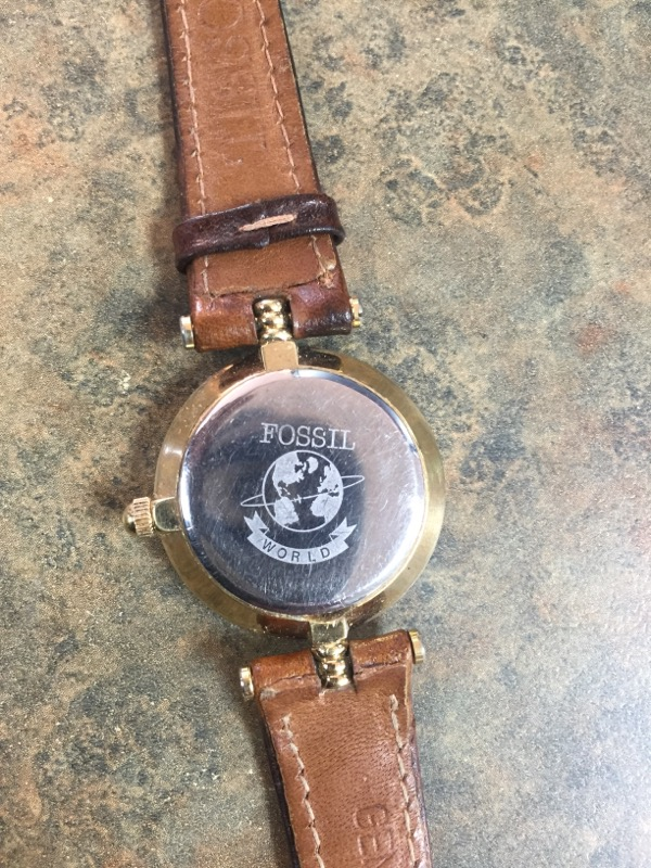 FOSSIL Gent's Wristwatch BROWN LEATHER