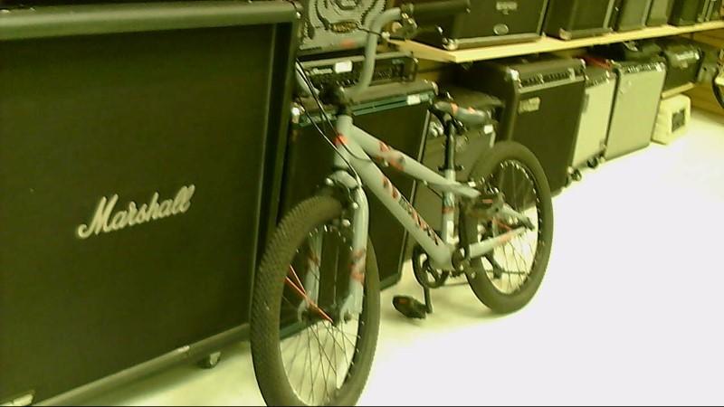 MONGOOSE BMX STYLE BIKE MTMX