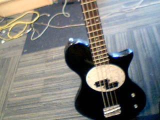 FIRST ACT Bass Guitar ME114