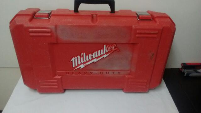 """MILWAUKEE RIGHT HANDLE DRILL 1107-1 W/ CASE 1/2"""""""