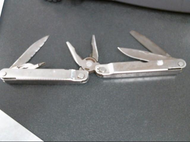 LEATHERMAN Pocket Knife SUPERTOOL 300