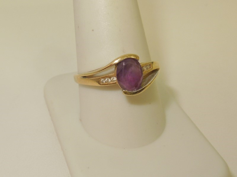Synthetic Amethyst Lady's Stone & Diamond Ring 6 Diamonds .06 Carat T.W.
