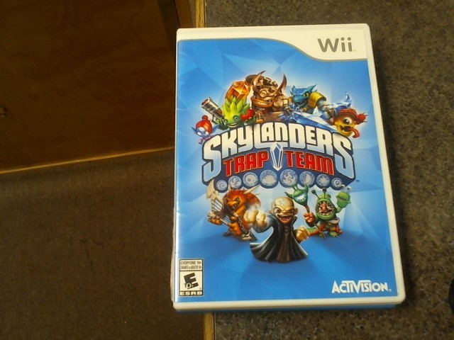 NINTENDO Wii Game SKYLANDERS TRAP TEAM WII