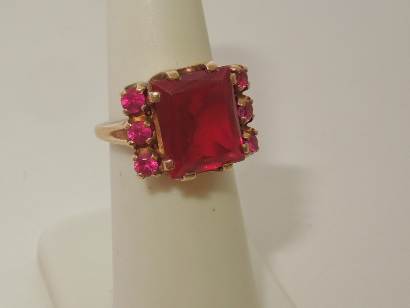 Synthetic Ruby Lady's Stone Ring 10K Yellow Gold 5.9g