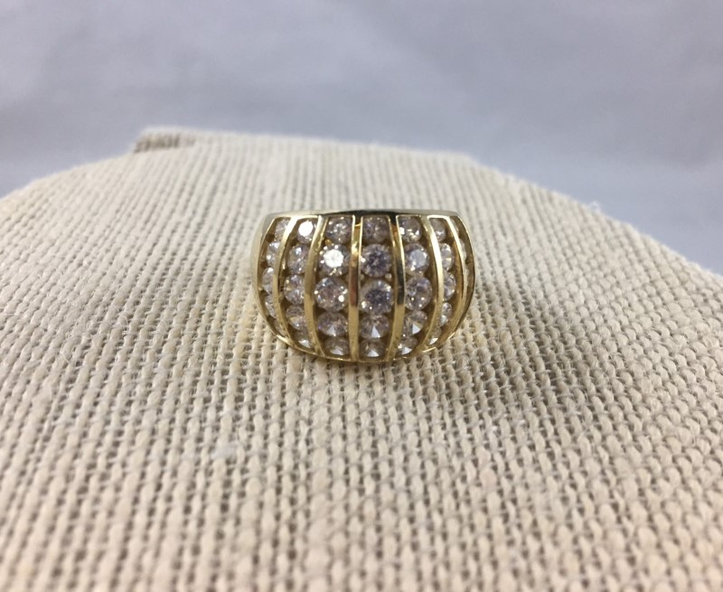 Beautiful 14K Yellow Gold Cubic Zirconia Cluster Ring Band 6.58 Grams (Size 6)