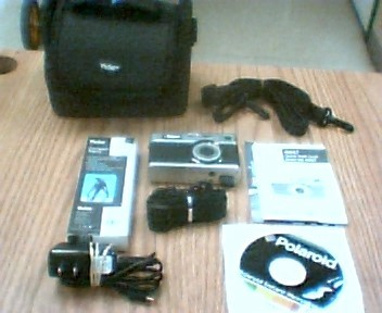 POLAROID Digital Camera IE 827