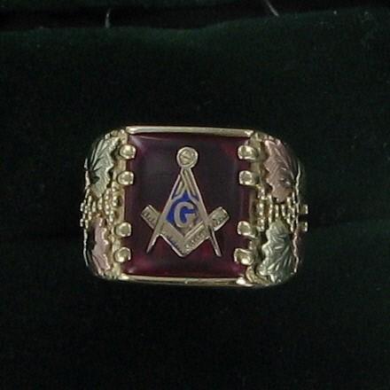 Gent's Gold Ring 10K Tri-color Gold 5.1dwt