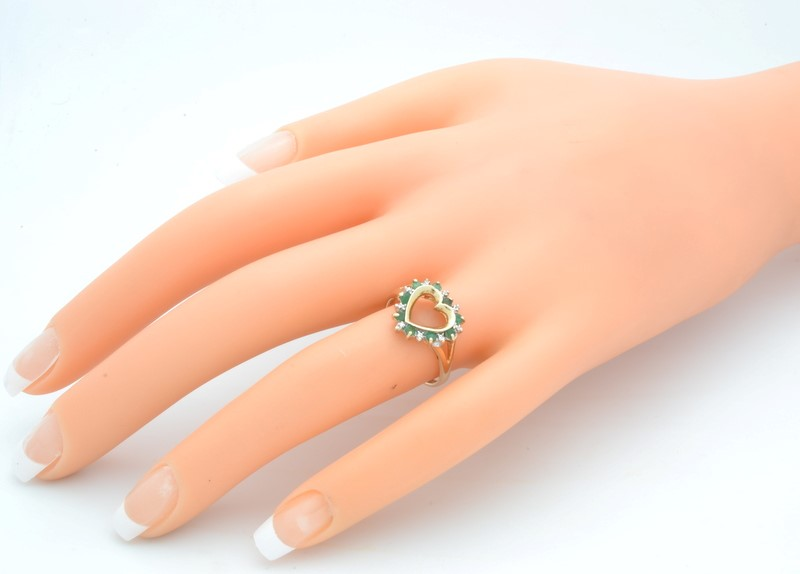 EMERALD GREEN DIAMOND OPEN HEART RING SOLID 10K GOLD LOVE PROMISE 7