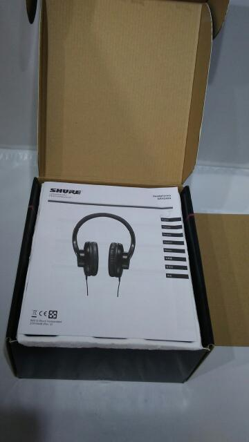 SHURE PROFESSIONAL QUALITY HEADPHONES SRH240A