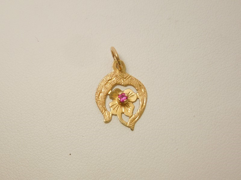 Red Stone Gold-Stone Pendant 18K Yellow Gold 0.8g