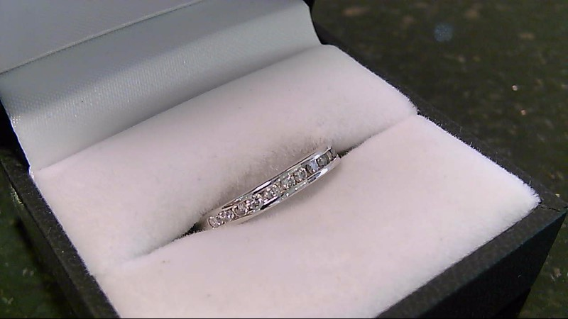 Lady's Diamond Wedding Band 12 Diamonds .24 Carat T.W. 14K White Gold 2.5g
