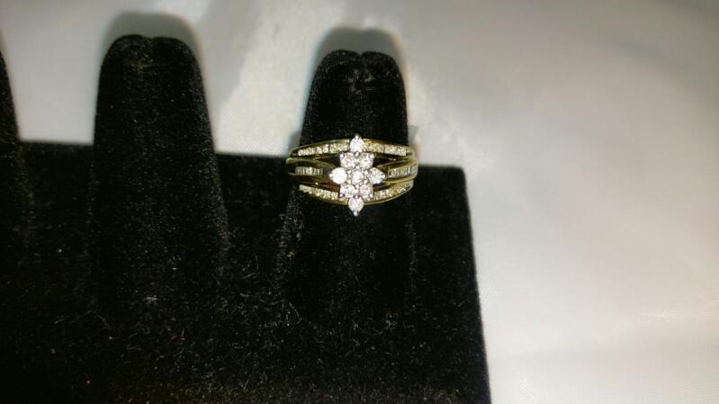 Lady's Diamond Cluster Ring 20 Diamonds .40 Carat T.W. 10K Yellow Gold 3.5g sz 7