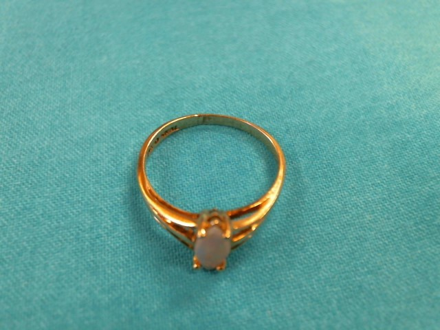 Synthetic Opal Lady's Stone Ring 14K Yellow Gold 1.3dwt