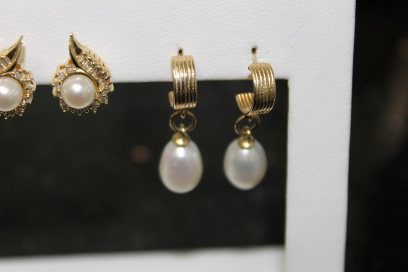 Freshwater Pearl Drop Yellow Gold Earrings