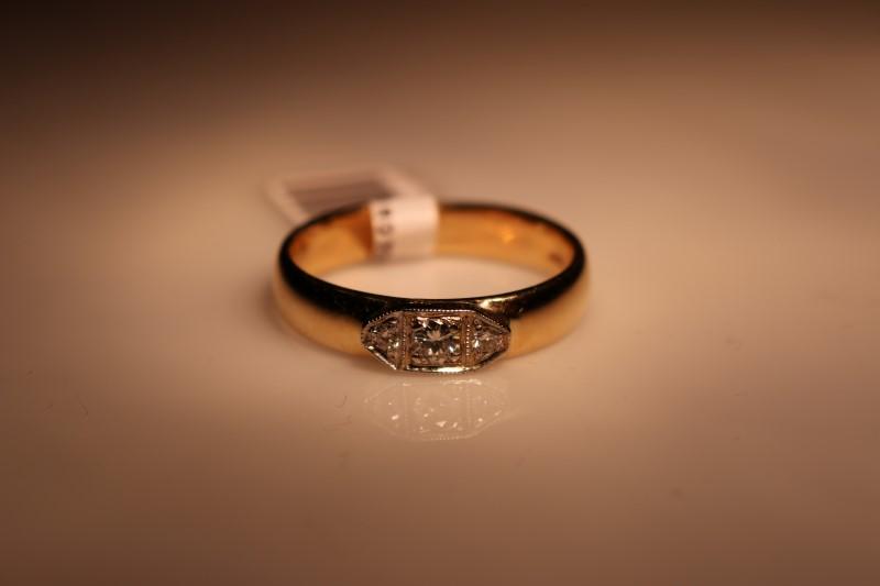 Gent's Diamond Fashion Ring 3 Diamonds .10 Carat T.W. 14K Yellow Gold 6.84g