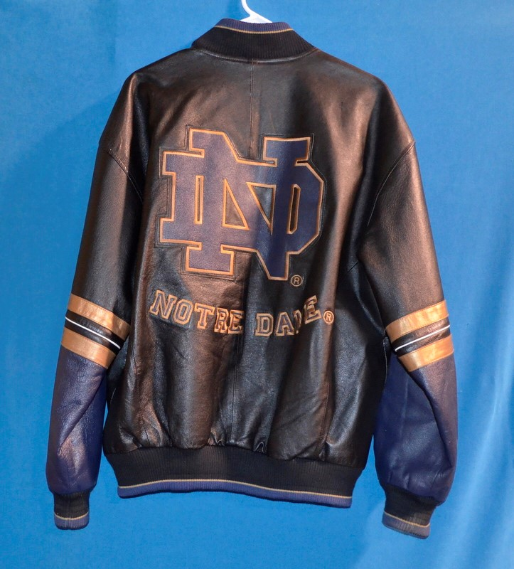 58 SPORTS Coat/Jacket NOTRE DAME FOOTBALL