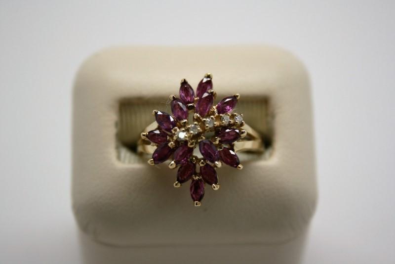 LADY'S RUBY & DIAMOND RING 10K YELLOW GOLD