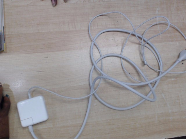 APPLE Computer Accessories MAC AIR CHARGER