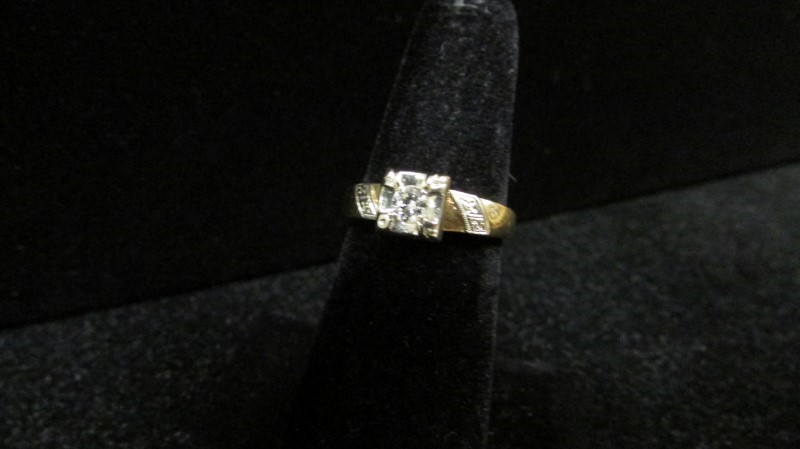 Antique Lady's Diamond Fashion Ring 0.15 CT. 14K 2 Tone Gold 3.4g
