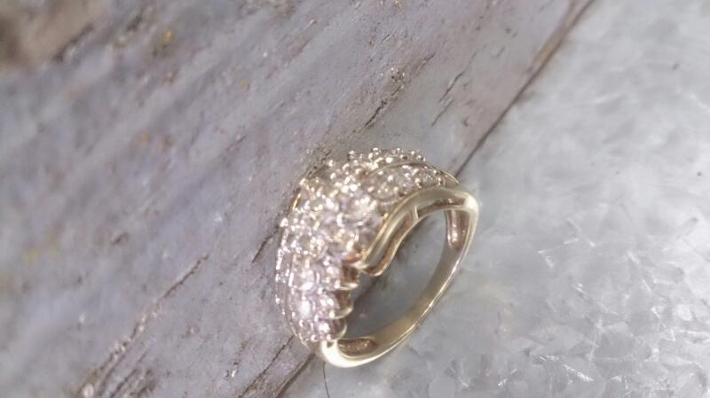 Lady's Diamond Cluster Ring 25 Diamonds .75 Carat T.W. 10K Yellow Gold 4.9g