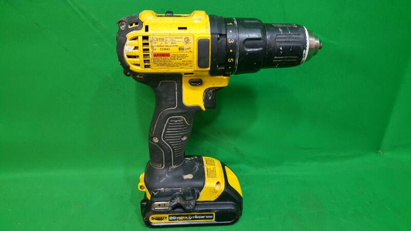 DeWalt DCD780 20-Volt Max Lithium-Ion Cordless Compact Drill/Driver no charger
