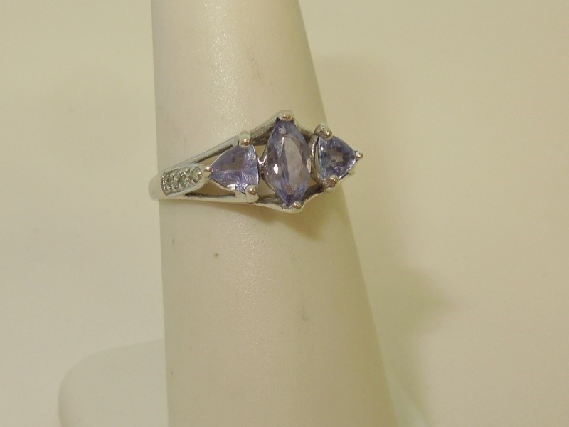 Synthetic Tanzanite Lady's Stone & Diamond Ring 6 Diamonds .06 Carat T.W.