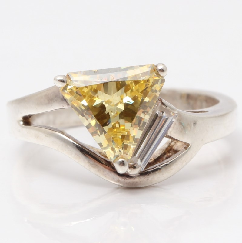 Sterling Silver Triangle Cut Yellow Stone Ring Size 7