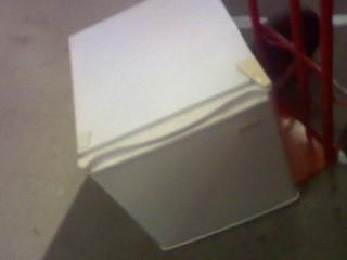 MAGIC CHEF Refrigerator/Freezer MCBR170W