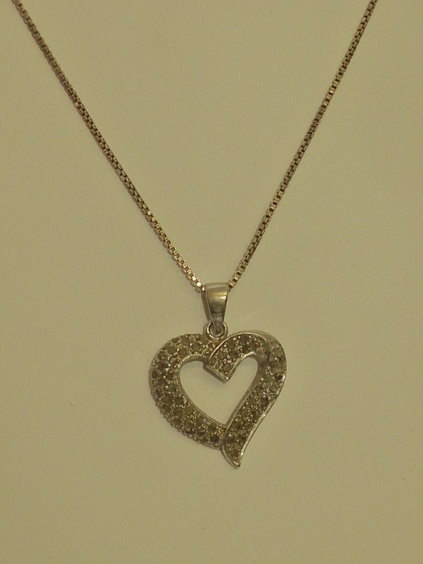 Silver-Diamond Pendant 48 Diamonds .48 Carat T.W. 925 Silver 6.3g
