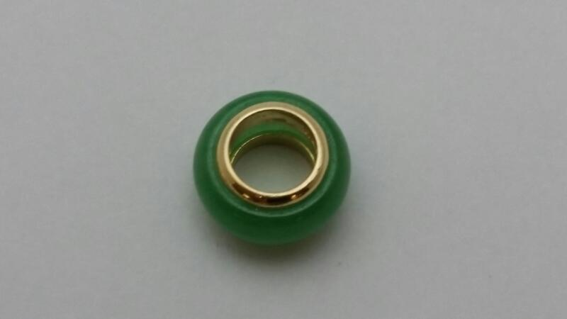 JADE BEAD CHARM WITH14K YELLOW GOLD ENDS 2.2g