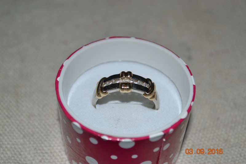 Gent's Gold-Diamond Wedding Band 7 Diamonds .21 Carat T.W. 10K Yellow Gold 3.5g