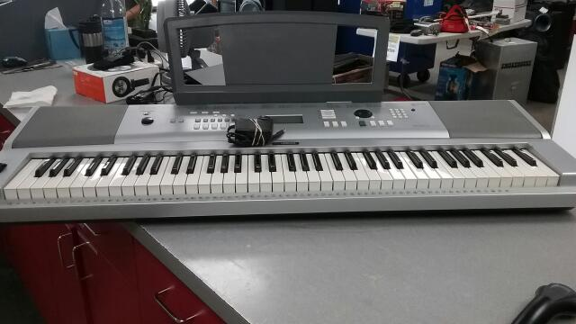 YAMAHA Piano/Organ PORTABLE GRAND DGX-230