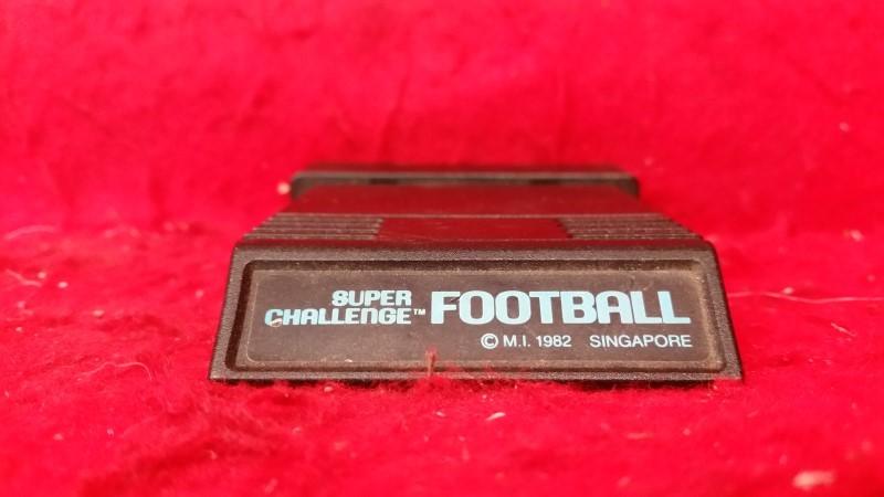 Super Challenge Football -- Atari 2600 -- Original 1982