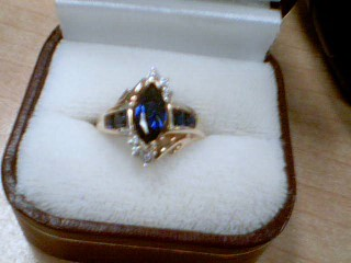 Sapphire Lady's Stone Ring 10K Yellow Gold 3.3g